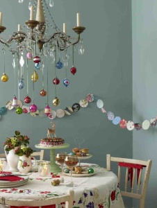 stunning-christmas-dining-room-decor-ideas-35